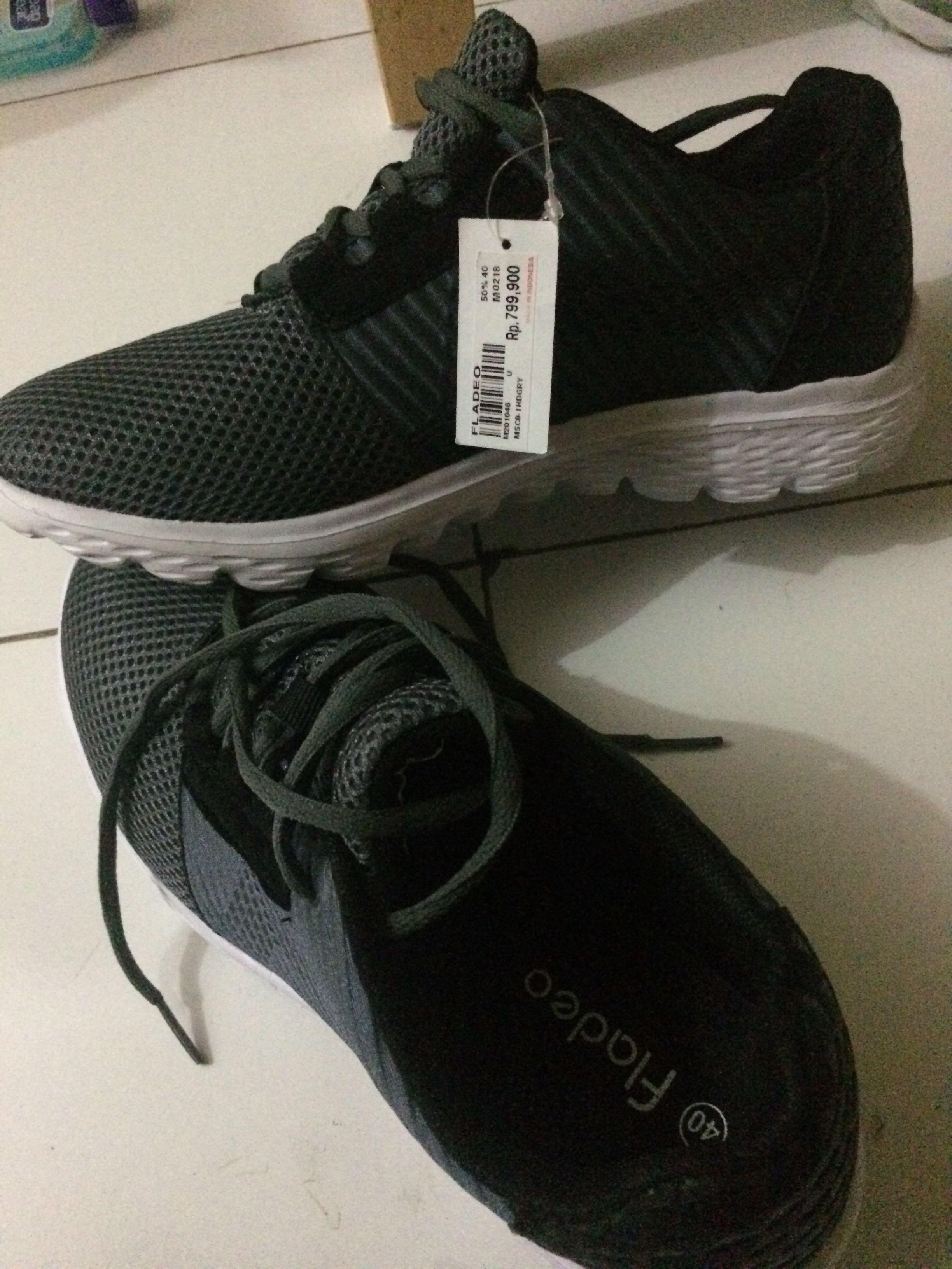 sepatu sneakers cewek/cowok fladeo, Men's Fashion, Men's Footwear, Sneakers on Carousell