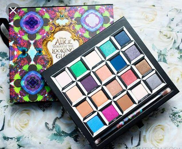 "Urban Decay ""Alice Through The Looking Glass"" Eyeshadow Palette"