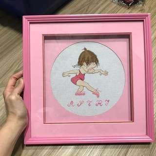 Pajangan gambar baby balerina crosstitch.
