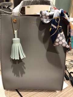 韓國製軟皮荔枝大象灰手提單肩包