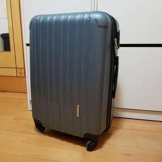 Used suitcase 22寸