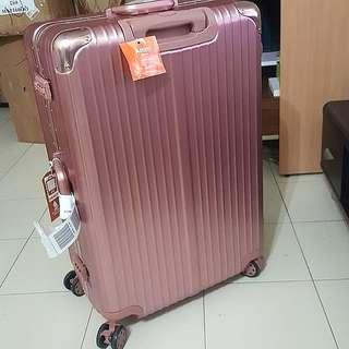 "29"" Large Matt Rose Gold Classic Scratch Resistant Luggage"