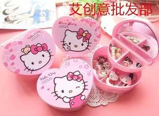 Hello kitty heart shape accessories box