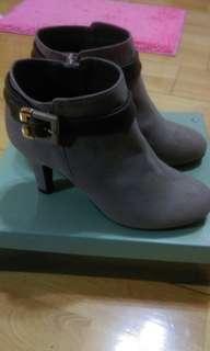 🚚 日本品牌Jerrybeans專櫃正品釦環踝靴高跟鞋