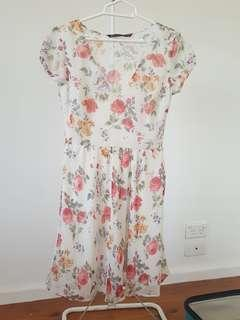 Zara Trafaluc Beige Floral Dress