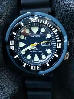 Original Seiko tuna 50th anniversary blue dial srp 653 come with new seiko blue diver strap condition is 95% this watch is just servcing can last for 10.years this model is discontinued already  faster buy and go