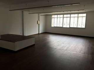 Office spaces in D1 Boat Quay shophouse for rent