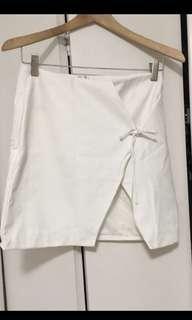 BRAND NEW white pleather skirt