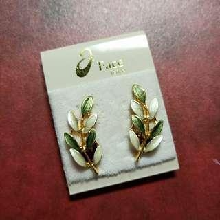 🚚 全新aFace專櫃品牌新娘/伴娘/新秘/日常皆可用 優雅桂冠葉夾式耳環