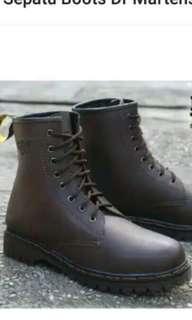 Sepatu boots dr martens