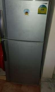 sharp fridge 175 liters 2door