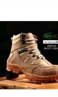 Sepatu pria crocodile