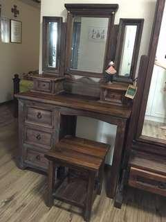 The Madrid Collection Dressing Table