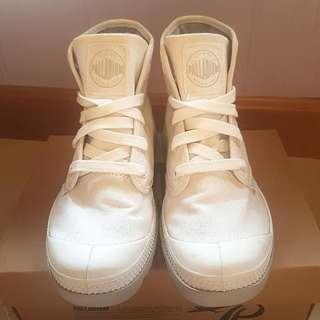 Palladium 白色中筒布鞋 (連鞋盒)