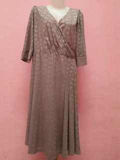 Dress wanita