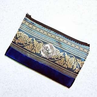 🚚 泰國帶回🇹🇭民族風刺繡鑲銀象形壓紋多功能小包/化妝包/鉛筆袋
