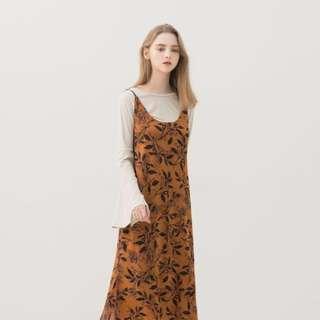 🚚 歐美樹葉復古芥黃連身吊帶裙