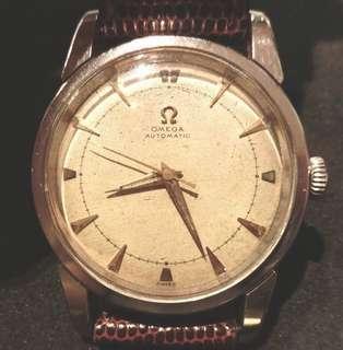 50年代 瑞士亞米加機械撞陀自動男仕腕錶 Rare Vintage Omega Bumper Automatic Men's Watch: 100%Original Swiss made Omega with aged dial in working condition,罕有原裝亞米加古舊錶面,原裝亞米加不銹鋼錶殼 34.5mm Diameter of Stainless Steel Omega Case with aftermarket Buckle 配上代用亞米加錶帶扣,運作正常。