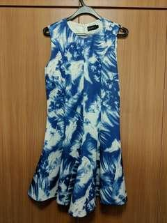 Blue print sleeveless dress