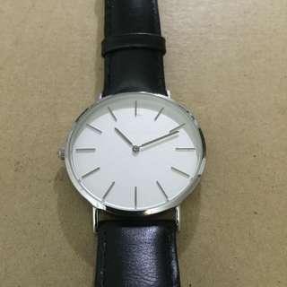 Straightforward Black Strap Watch