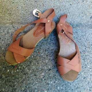 Primadonnna Sandals Size 6