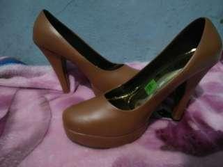 Sepatu heels new
