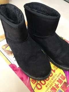 🚚 黑色短靴雪靴
