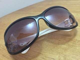 1 x Preloved Sunglasses
