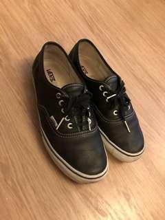 VANS Vault Authentic LX Leather Black 43