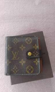 LV compact zip (with box)