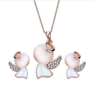 🚚 Lovely Angel Necklace + Earring Set
