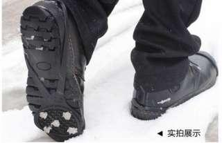 Anti slip shoe spikes / claws