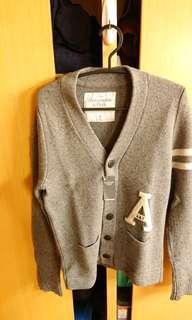 🚚 A&F Abercrombie&Fitch 長袖毛衣 灰色 全新 正品 合身款