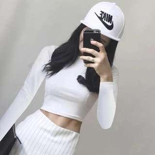 🚚 White Basic Long Sleeve Crop