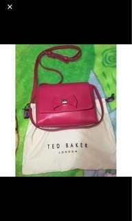 Ted Baker 桃紅色蝴蝶結斜咩袋