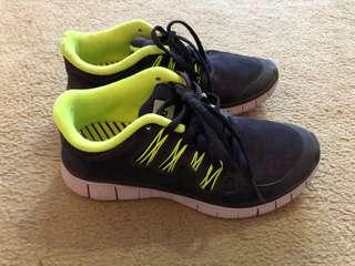 NIKE FREE RUNS purple leopard with Fluro