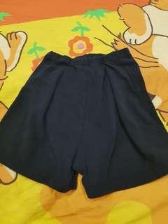 Free short pant kid (3-4)