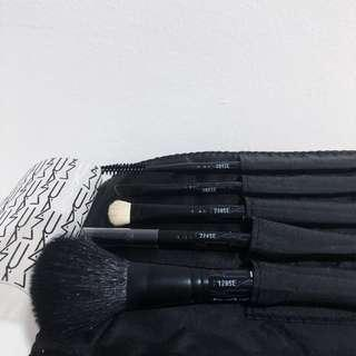 MAC Brush Kit Basic