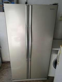 Used Samsung side by side door fridge refrigerator peti sejuk peti ais 504L in good condition