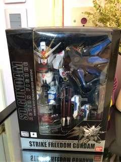 (全新)Bandai SD Gundam Action Figure Strike Freedom 高達 seed