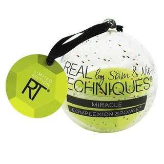 Real Techniques by Sam and Nic Chapman Miracle Complexion Sponge Ornament