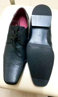 De novo leather black  shoes size eur 39 new