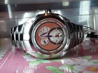 SEIKO 精工錶,全新kinetic 計時手錶 , 有原裝盒 ,原價七千幾元。 買咗唔鍾意。
