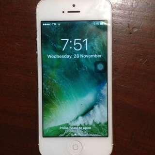 IPhone 5 globelocked