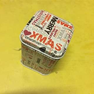 包郵全新聖誕禮物🎁鐵盒子