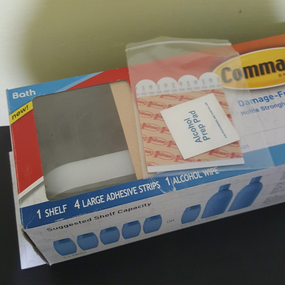 3M Command Corner Shelf with Water-Resistant Strip