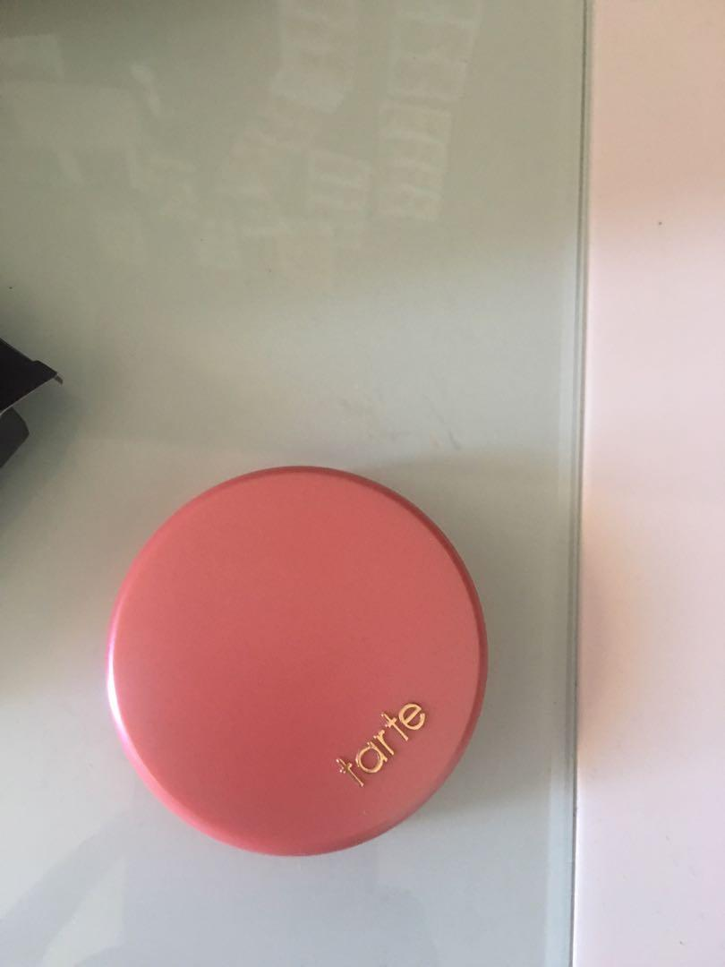 Amazonian clay 12-hour blush glisten (shimmering peachy pink)