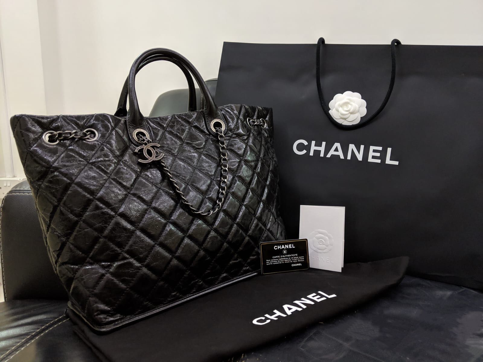7b6ea48efe26 Authentic Chanel Black Large Rue Cambon Tote Bag, Women's Fashion ...