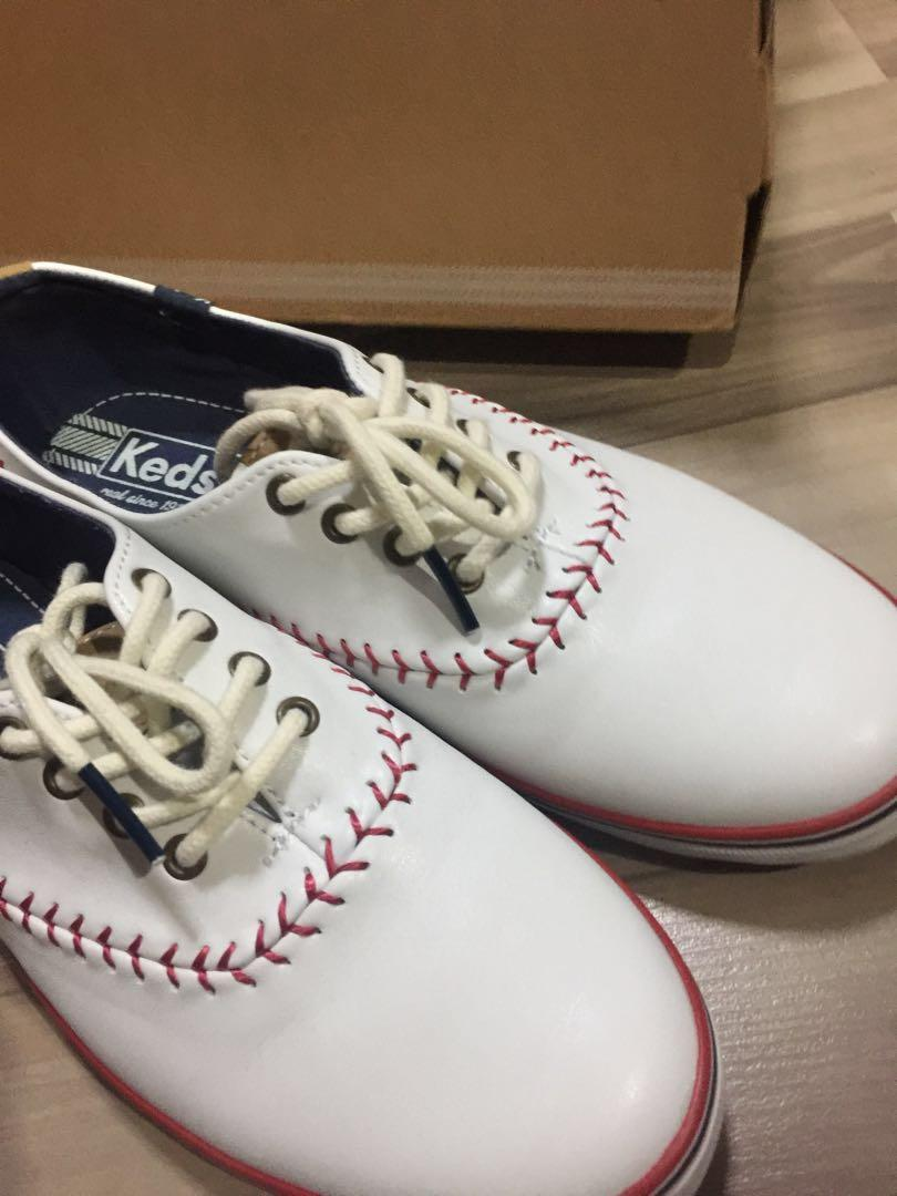 Authentic KEDS Champion Pennant Off