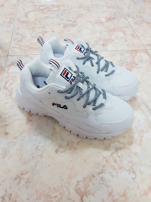 fb8933c70549d BNWT FILA White Ray Tracer Sneaker